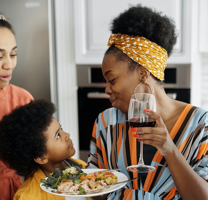 Mistakes Single Mothers Make When They Start Dating Again
