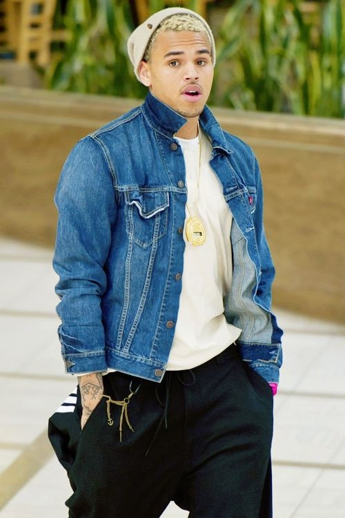 Why Owning a Denim Jacket is a Fashion Plus For Men