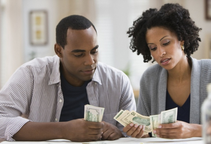 Should You Lend Your Boyfriend Money?