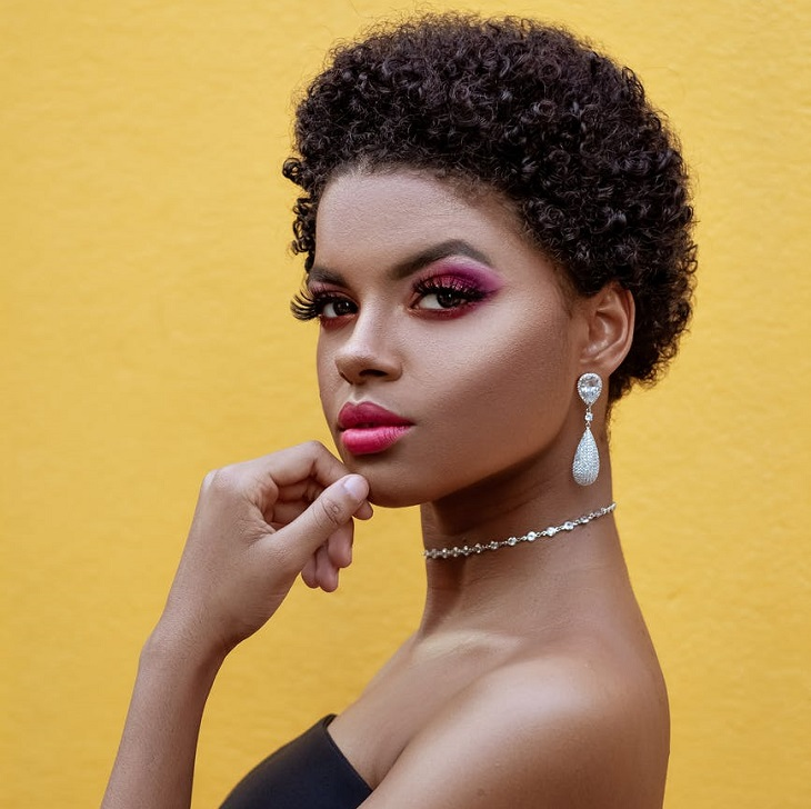How to Transition From Relaxed Hair Without Cutting Your Hair