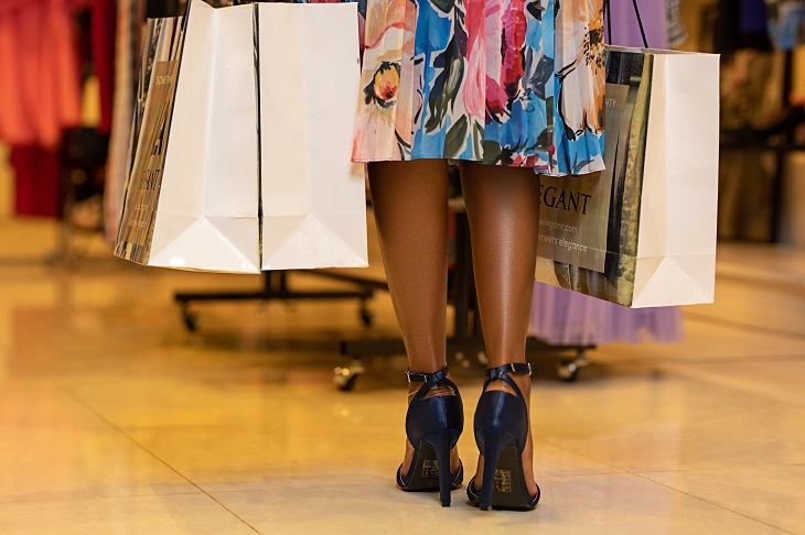 Why You Should Hire a Personal Shopper