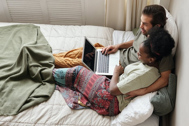 Netflix and Chill: The 10 Best Movies for Couples